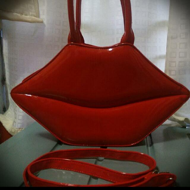 SALE!!! Primadonna Lip Bag