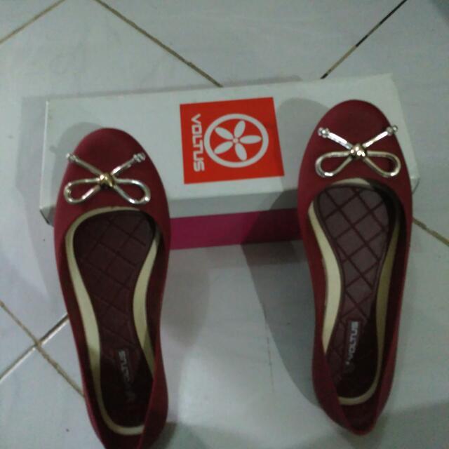 Sepatu Voltus
