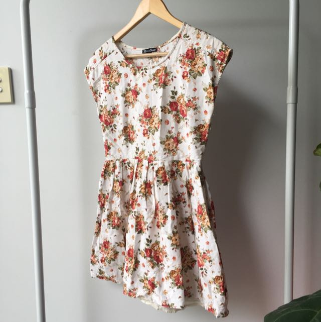 Size 10 Floral Pattern Skater Dress