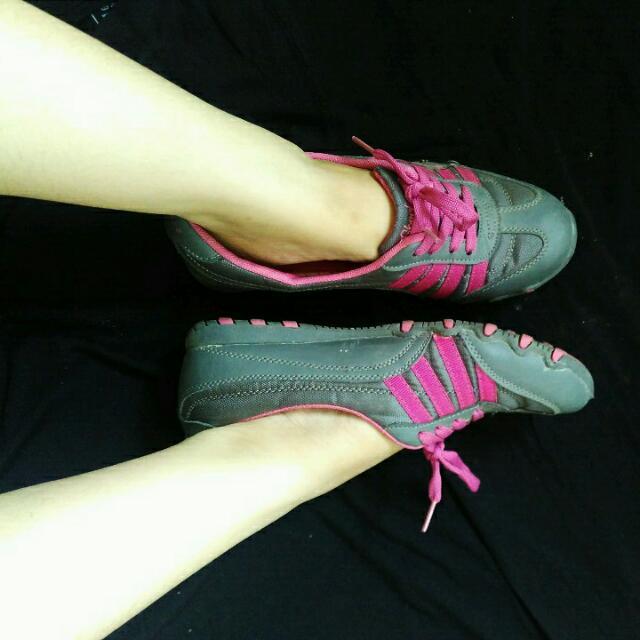 Skechers Casual Walking Shoes