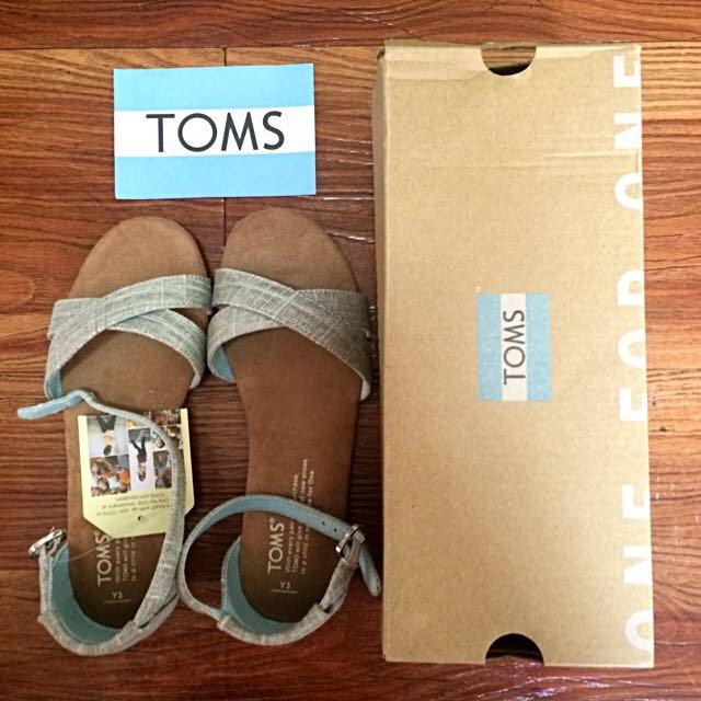 TOMS Sandals (size 5/6)