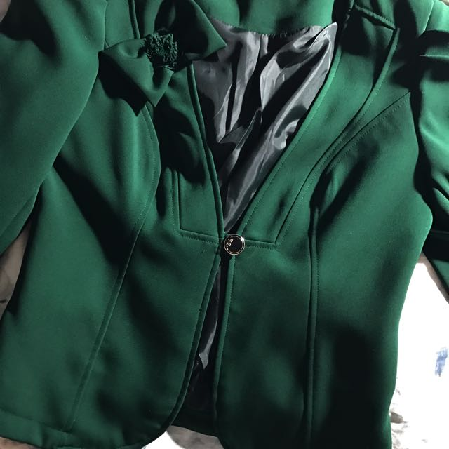 Vintage Emerald Green Blazer (semi Cropped)
