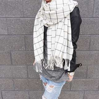 Zara White With Black Grid Lines