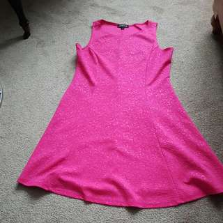 Hot Pink Jessica Short Dress With Patterned Detail. Size 10