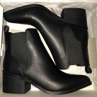 Windsor Smith / Lipstick Black boots