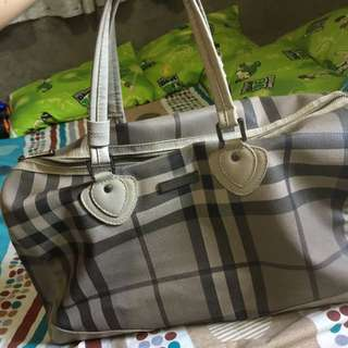 Burberry Travelling Sling Bag