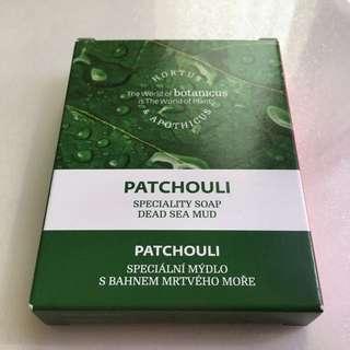 菠丹妮、最新洗臉皂、台灣尚未上市、可以當卸妝皀使用、針對粉刺痘痘👍🏻