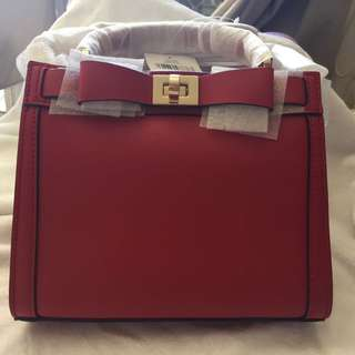 Kate Spade Mayfair Drive Mini Tullie (pillbox Red)