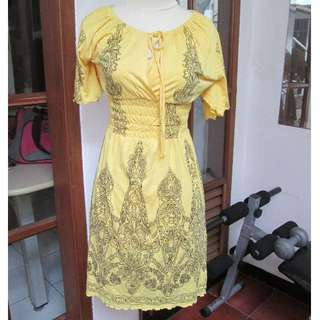 Suexe Dress Kuning motif batik