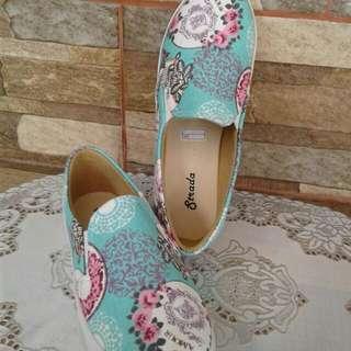 Sepatu Aja