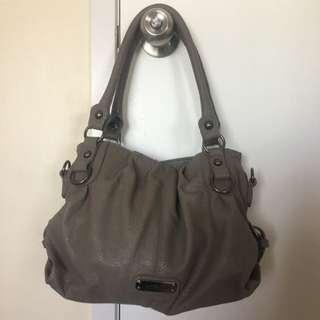 Xcesri Handbag