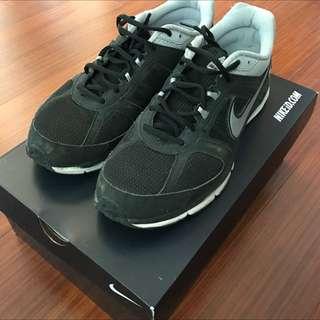 Nike Zoom跑鞋