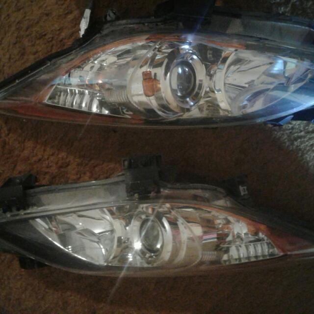 2010 Mazda 3 Headlights