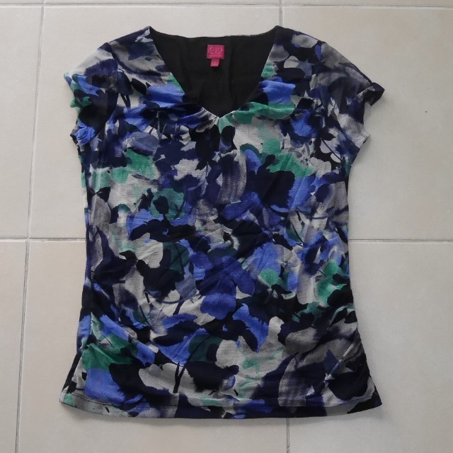212 Collection Cap Sleeved Top