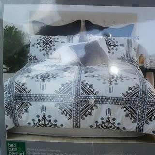 New 3pce Super King Aztec Comforter Set RRP  $169.90