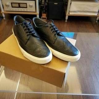 新鞋一對,有意請電61265993
