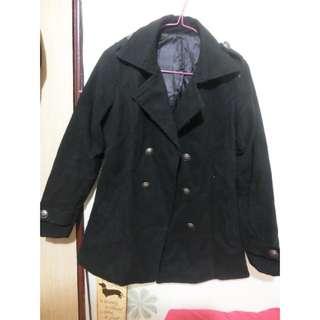 黑色挺版外套