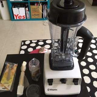 近全新 美國Vita-MixTNC5200-白/全營養調理機