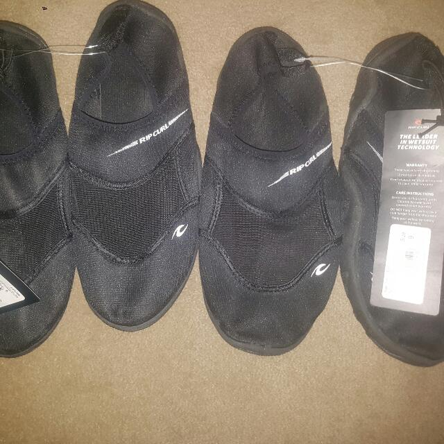 2 Pairs Of Mens Ripcurl Reef Walker Shoes Sizes 8 & 9