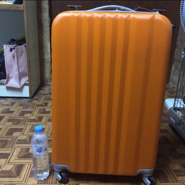 📢橘色行李箱