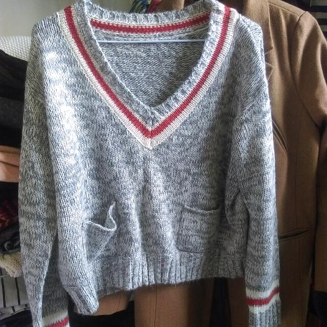 日牌短版學院毛衣