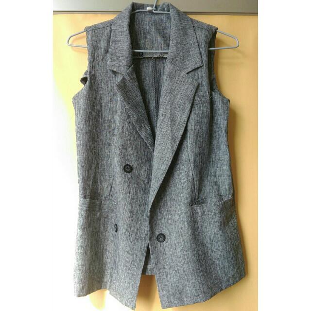 灰色背心西裝套裝 含褲子