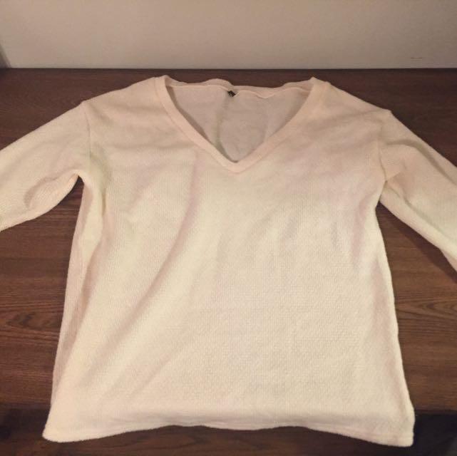 Beige V-Neck Comfy Sweater Size M
