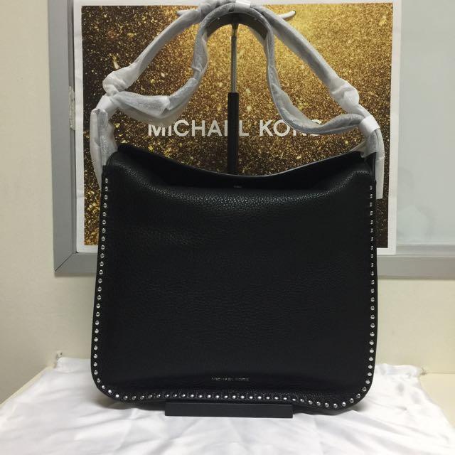 9de2aad2546d BN Authentic Michael Kors Astor Large Leather Hobo Bag Black