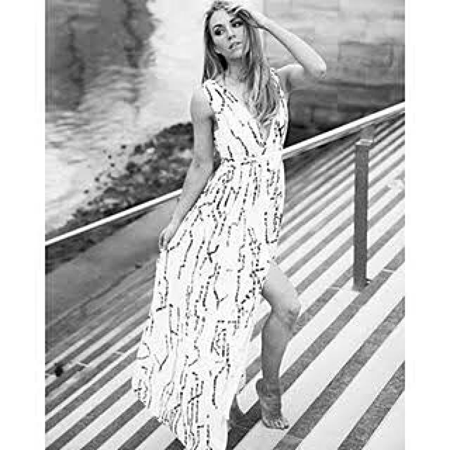 BNWT: Sheike Maxi Dress Sz 6