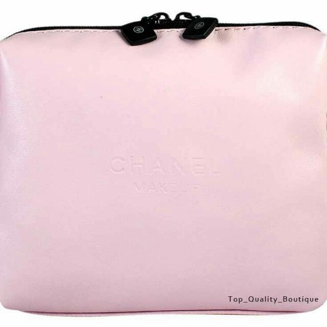 Chanel 粉紅色軟皮拉鍊化妝包
