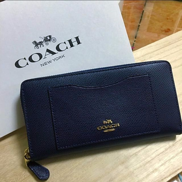 Coach wallet (navy blue) on Carousell 63d51858cbee2
