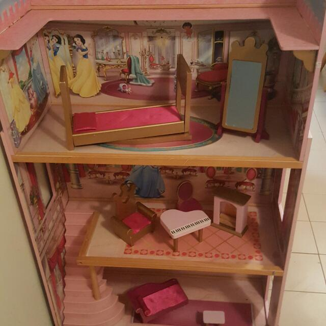 Disney Princess Dolls House