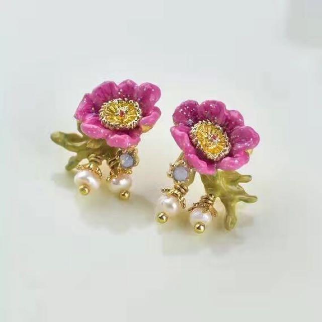 Les Nereides Flower Stud Earrings Pre