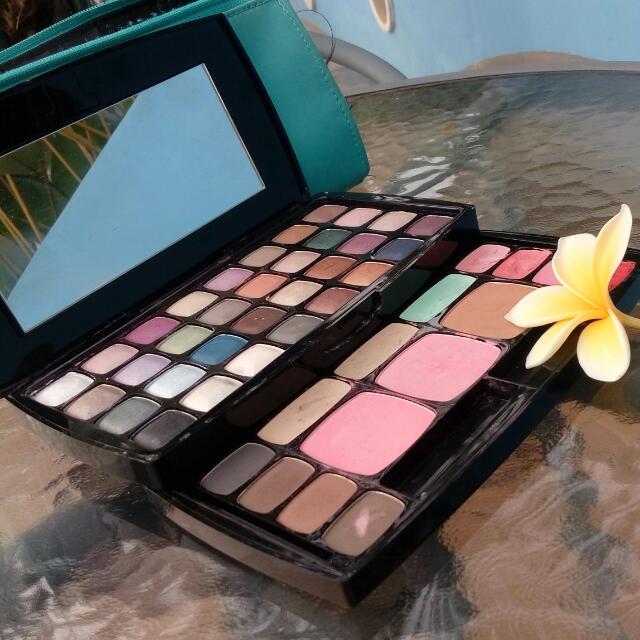 NYX Makeup Pallet