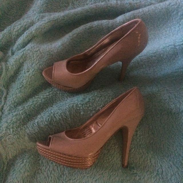 Open toed Nude heels