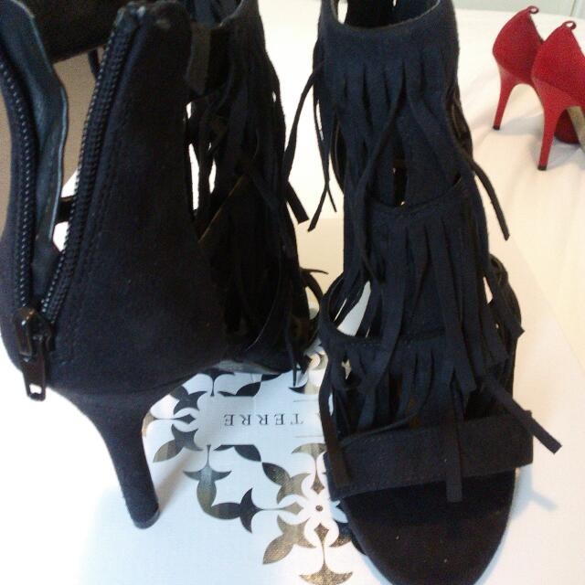 40a9b7cd2 Pied A Terre(Black microsuede), Women's Fashion, Shoes on Carousell