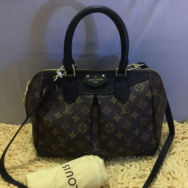 SALE❗️❗️❗️ Louis Vuitton 2-way Bag