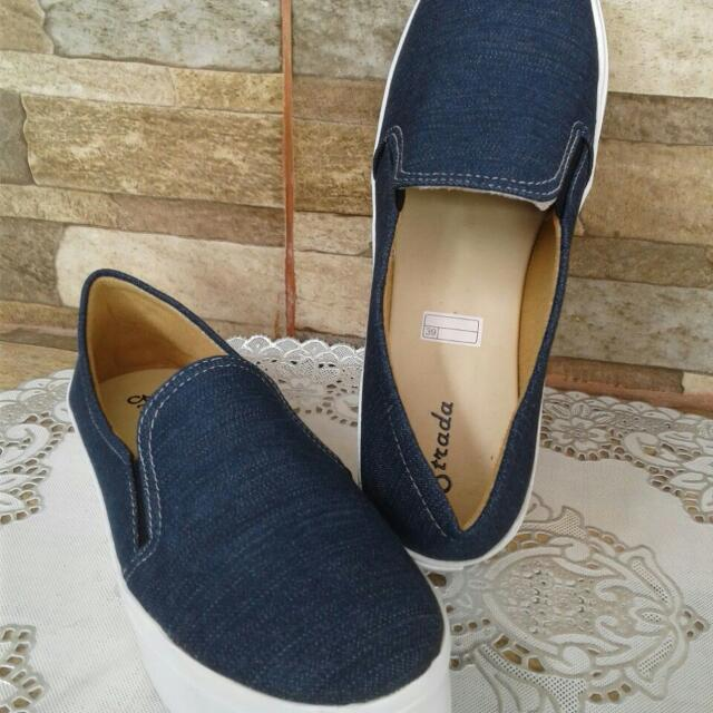 Sepatu Amor Wedges