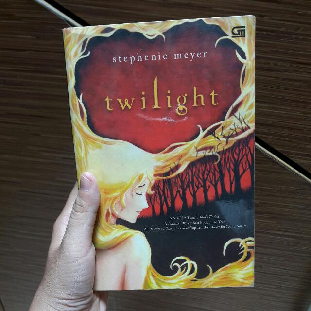 Twilight by Stephenie Meyer - Indonesia