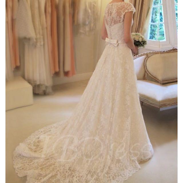 Wedding dress size 6 New (Ivory)
