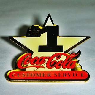 aaL皮商旋.(企業寶寶玩偶娃娃)少見1998年發行可口可樂(Coca Cola)-CUSTOMER SERVICE造型勳章/徽章/紀念章!--距今已有19年歷史值得擁有!/*2/-P