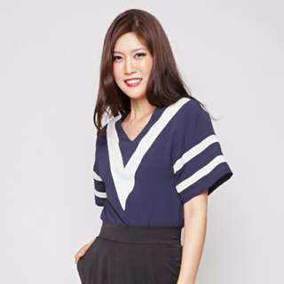 💰BNWT MDS Clyde Top In Navy (M)