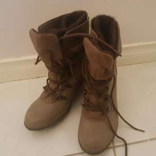 Novo Womens Size 38 Boots