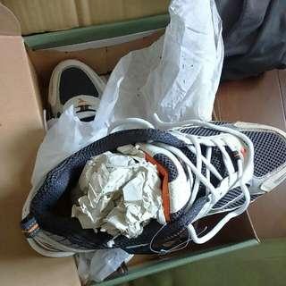 DIADORA迪亞多那舊款全新絕版31碼登山慢跑鞋