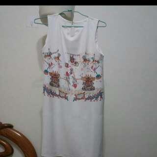 白色無袖洋裝