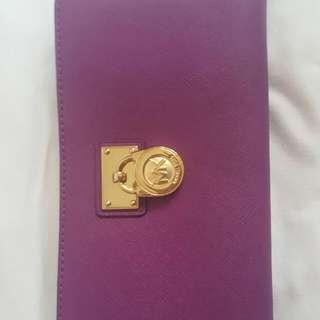 Michael Kors 100% Authentic Hamilton Traveler ZipAround Leather Wallet