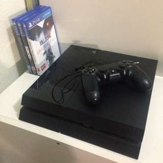 PRICE DROP Playstation 4 500 GB and 3 Games