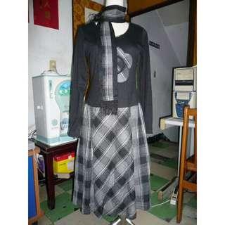 [全新] 長袖V領黑色氣質洋裝 連身裙 附圍巾