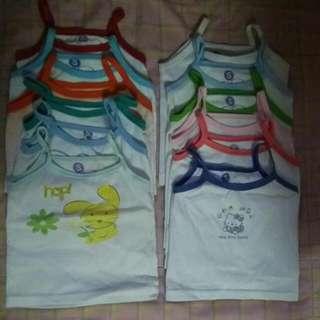 12 Pcs Sando Baby  Isang Buwan Lang Nagamit Kasi Malaki Po Si Baby