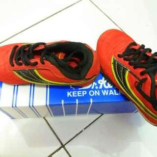 Sepatu Sport  Merk Champion ORI